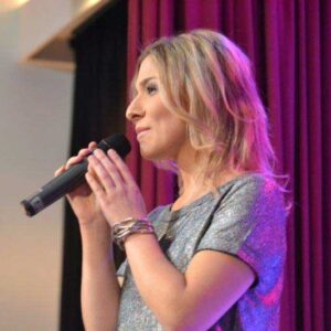 Laura Wilde feierte ihr 2. Freundesfest und Jubiläum - Schlager.de