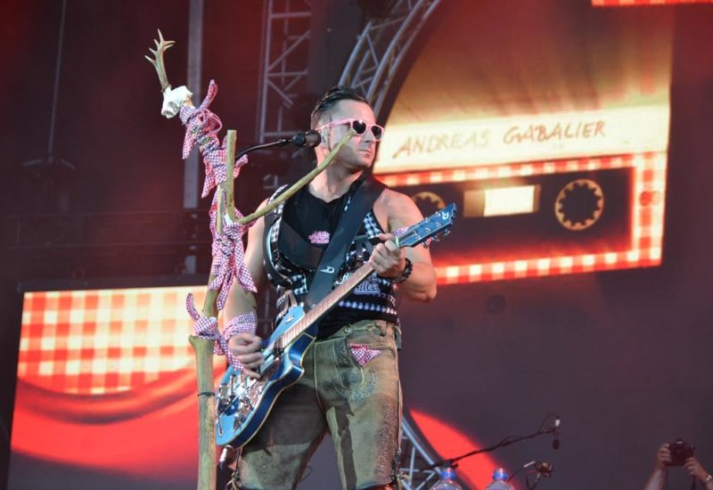 Andreas Gabalier Bleibt Volks Rocknroller Top Album Vergiss Mein