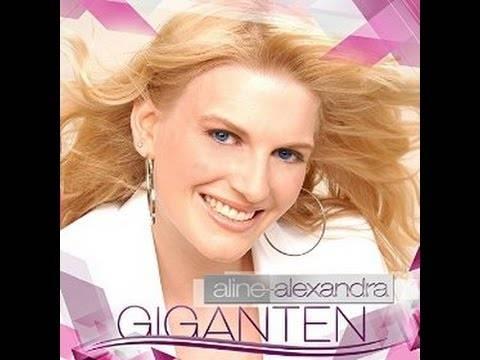 Aline-Alexandra im Interview in Köln, Kennedyufer mit Blick auf Dom am 15 07