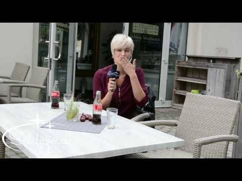 Julia Bender grüßt Schlager.de
