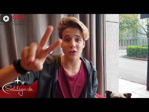 Matteo Markus Bok grüßt die Schlager.de-Leser bei VOLLE KANNE