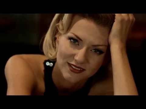 Ella Endlich – Liebeskummer lohnt sich doch (official video)